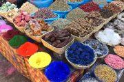 Especies, minerales, tubérculos... un sin fin de productos en los mercados locales